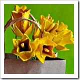 Recycled-egg-cardboard-to-make-flowers