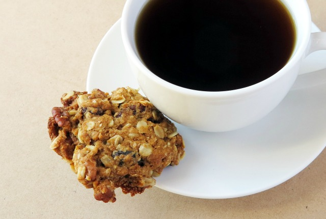 oatmeal sultana pecan biscuits
