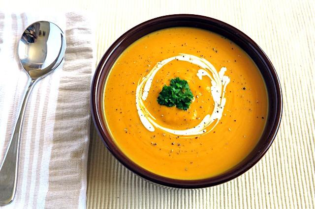 Slow cooker pumpkin soup
