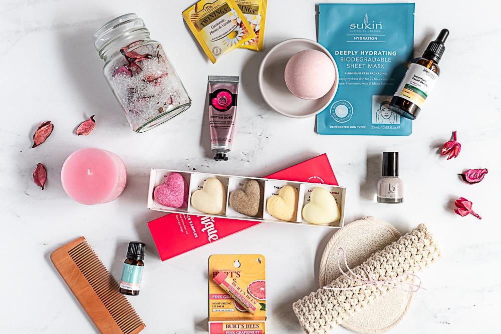 spay gift hamper ideas for women