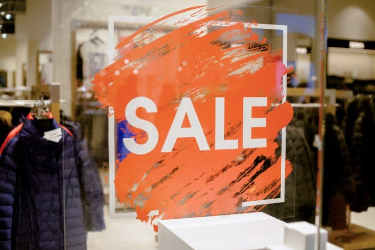 Sales Shopping Tips That Save Big Dollars (Boxing Day, Black Friday Cyber Monday Sales)